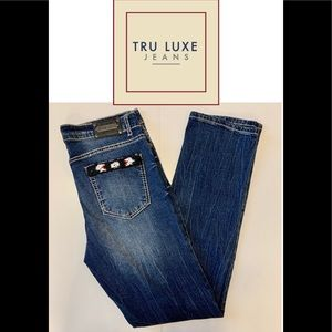 Tru Luxe Jeans size 29 beads on pockets